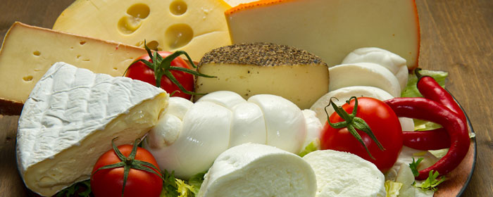 Cheese from vegetable rennet, halal, kosher
